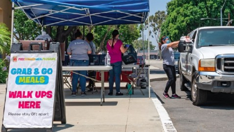 Grab and Go Meals Offered for Free in Pico Rivera
