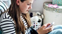 Too Few Social Media 'Likes' Can Amp Up Teen Depression